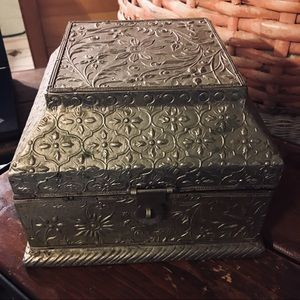Vintage wooden box with tin - 8x6 latch on front